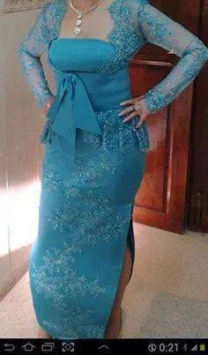 Clothes Shelves, Bridal Looks, Traditional Dresses, Formal Dresses, Wedding Dresses, Kaftan, Dress Patterns, My Outfit, Vintage Dresses