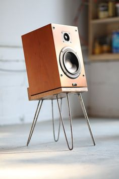 Large bookshelf speaker stands diy speaker stands ideas wood ikea home projects pipe living rooms tvs Wooden Speakers, Small Speakers, Diy Speakers, Music Speakers, Wireless Speakers, Stockage Record, Vinyl Platten, Bookshelf Speaker Stands, Wooden Speaker Stands