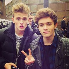 CONNOR why are you so attractive? Brad Simpson, New Hope Club, Austin Mahone, The Vamps, T Rex, Cool Bands, Make Me Smile, Hot Guys, Bae