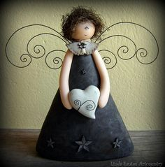 Wow, what a cute idea but dont like sad face. The wings might be harder and how to attach where theyd be stable. Angel Crafts, Christmas Projects, Christmas Crafts, Christmas Decorations, Christmas Ornaments, Clay Angel, Handmade Angels, Cute Clay, Paperclay