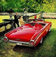 Ford T-Bird. Mid XX century moment.