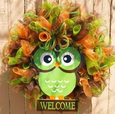 Fun Owl Deco Mesh Wreath for Summer and Fall by SouthernAccentsEtc Owl Wreaths, Wreath Crafts, Deco Mesh Wreaths, Diy Wreath, Wreath Ideas, Crafts To Do, Fall Crafts, Holiday Crafts, Thanksgiving Wreaths