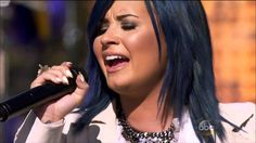 Demi Lovato - Let It Go - Live @ Disney Park Christmas Day Parade 2013  -the background is AMAZINGggggg!!