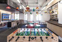 La nuova sede del social neywor Facebook a Milano. In primo piano il biliardino presente nella zona relax vicino all'area attrezzata per la pausa pranzo