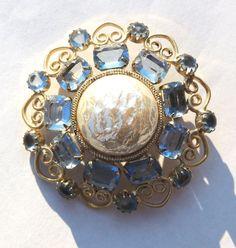 Garne Vintage Brooch Pin Blue Rhinestones Vintage by OodlesofBling ~ETS #garnebrooch #vogueteam #etsygifts