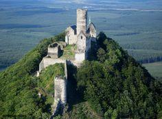 Bezdez Castle is a Gothic located southeast of Česká Lípa, Czechia. It was built in by order of Přemysl Otakar II. Beautiful Castles, Beautiful Buildings, Beautiful Places, Real Castles, Castle Ruins, Medieval Castle, Gothic Castle, Prague, Photo Chateau