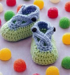 Booties for Baby Gumdrops for baby feet sizes 3, 6, 9 months old. Pattern More Patterns Like This!