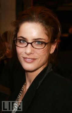 Hot Celebrities Wearing Glasses -