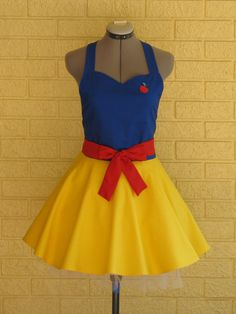 Snow White Costume Apron Sweetheart Style by ApronsByVittoria, $36.00