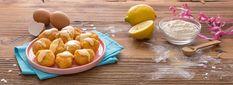 Prepariamo le Castagnole in una versione più leggera: le cuociamo al forno in modo che siano ancora più morbide e che durino a lungo. Ecco come: