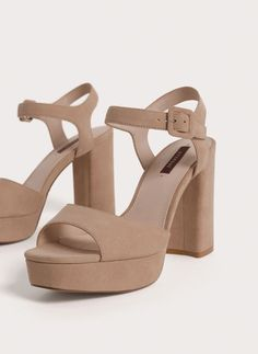 View all - Footwear - Uterqüe United Arab Emirates Cute Shoes Heels, Fancy Shoes, Pretty Shoes, Sock Shoes, Me Too Shoes, Blush Shoes, Stylish Sandals, Mode Style, Womens High Heels