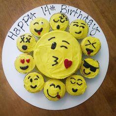 Emoji cake and cupcakes! Cute Cakes, Pretty Cakes, Baking Cupcakes, Cupcake Cakes, Emoji Cake, Pull Apart Cake, Cake Icing, Savoury Cake, Creative Cakes