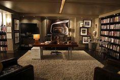 My obsession with the TV show Castle continues. Of course Richard Castle has an awesome New Y. Richard Castle, Rick Castle, Home Office Design, House Design, Set Design, Design Ideas, Castle Tv Shows, Beautiful Home Gardens, Castle House