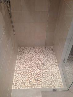 Badkamer met hout google zoeken badkamer pinterest google en met - Tuinuitleg met kiezelstenen ...