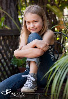 Laguna Beach Family Portrait and Children Photography~ Kayla in downtown Laguna » Goddard Studios Blog