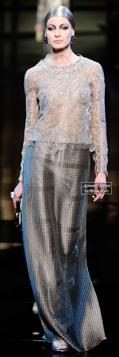 Armani Privé Spring 2014 Couture Haute Couture Gowns, Couture Dresses, Couture Fashion, Runway Fashion, Grey Fashion, Hijab Fashion, Love Fashion, Long Sleeve Evening Gowns, Evening Attire