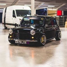 Mini Cooper Tuning, Old Mini Cooper, Mini Cooper Custom, Mini Cooper Classic, Classic Mini, Classic Cars, Retro Cars, Vintage Cars, Best Small Cars
