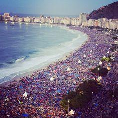 Tres millones de personas despiden al Papa en playa de Copacabana, Brasil.Foto: AFP