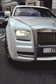 Rolls-Royce Ghost  |  pinterest: @Blancazh