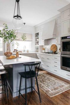 Five Tips for Smart Small Kitchen Design - Centered by Design Kitchen Lighting Design, Interior Design Kitchen, Interior Modern, Kitchen Designs, White Kitchen Cabinets, Open Kitchen, Space Kitchen, Kitchen Linens, Kitchen Decor