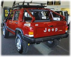Thought seriously about doing this to my first Cherokee. I'd take the doors off though. Jeep Cherokee Xj, Cherokee Sport, Comanche Jeep, Jeep Cars, Jeep 4x4, Jeep Truck, Jeep Pickup, Cool Jeeps, Cool Trucks