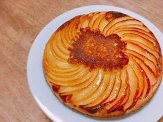 This is absolutely a good guy! A simple recipe of exquisite apple sweets you want to make this winter - Pastry World Japanese Bakery, Japanese Sweets, Apple Desserts, No Bake Desserts, Sweets Recipes, Cooking Recipes, Homemade Pie, Bakery Cafe, Cafe Food