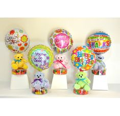 Imagenes de botellas decoradas con dulces - Imagui Gift Bouquet, Candy Bouquet, Valentines Gifts For Boyfriend, Valentine Day Crafts, Homemade Gifts, Diy Gifts, Valentine Bouquet, Christmas Balloons, Birthday Traditions