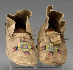 A pair of Plains beaded moccasins Native American Legends, Native American Crafts, Native American Design, Native American Artifacts, Native American Tribes, Native American History, American Symbols, Native Americans, Native Symbols