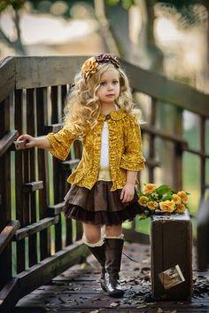 Josephine Three Felt Flowers On Hard Headband Little Girl Outfits, Little Girl Fashion, Cute Little Girls, Cute Kids, Cute Babies, Kids Fashion, Baby Girl Dresses, Baby Dress, Cute Dresses