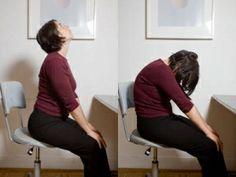 Estiramiento de la vaca elimina dolor corporal,fatiga y estrés Mantén los pies en el suelo Lleva las manos a las rodillas Mientras inhalas, estira la espalda hacia atrás y mira hacia el techo Al exhalar, estira la espalda hacia adelante, encorvándola desde la parte central de la espalda y metiendo el diafragma.Deja caer la cabeza hacia adelante y desliza suavemente tus manos sobre tus rodillas.Para deshacer la postura. Inhala y levanta suavemente el torso Repite durante unas 3 a 5…