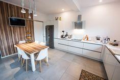 #Ukitchen #Ushapedkitchen #modernkitchen #kitchendesign #kitchenfurniture #kitchenideas #KUXAstudio #KUXA #KUXAkitchen #bucatariemoderna #bucatarieU #whitekitchen U Shaped Kitchen, Furniture, Studio, Table, Design, Home Decor, U Shape Kitchen, Decoration Home, Room Decor