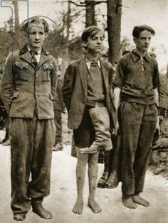 Young German POWs in stripped of their boots by their Russian captors. Military age had dropped to fourteen after the losses in Operation Bagration, and uniforms weren't always to be had. German Boys, German Army, World War One, Weird World, Operation Bagration, German Soldiers Ww2, Germany Ww2, Man Of War, War Photography