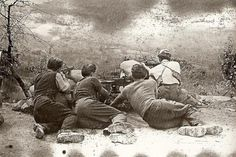 Italian partisans positioned in Tuscany.