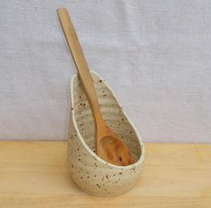 Spoon rest hand thrown stoneware ceramic spoon rest wheelthrown handmadeSpoon trays - like this idea - would catch what drips and take up less space on the stoveSimple, functional pottery, piece by piece. Ceramic Spoons, Stoneware Clay, Ceramic Clay, Slab Pottery, Ceramic Pottery, Pottery Art, Antique Pottery, Wheel Thrown Pottery, Pottery Classes
