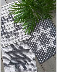 Crochet Potholders, Knit Crochet, Pot Holders, Christmas Tree, Quilts, Blanket, Knitting, Holiday Decor, Appliques