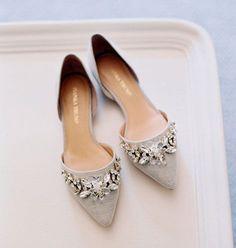 Jeweled pointy toe flats, love!