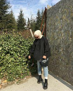 Street Hijab Fashion, Muslim Fashion, Korean Fashion, Fashion Outfits, Casual Hijab Outfit, Cute Casual Outfits, Maila, Hijab Fashion Inspiration, Muslim Girls