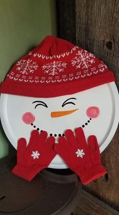 Sprayed pan white, painted face, hot glued his clothes. Christmas Ornament Crafts, Christmas Crafts For Kids, Homemade Christmas, Diy Christmas Gifts, Christmas Projects, Christmas Fun, Holiday Crafts, Christmas Decorations, Snowman Crafts