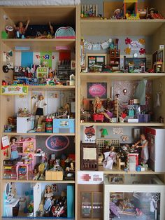 1:6th scale doll mall