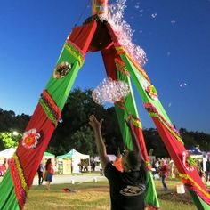The solar powered BubbleYou® Bubble Tower -the world's biggest bubble toy ® will make your special event POP! Big Bubbles, World's Biggest, Fort Worth, Programming, Special Events, Selfies, Backdrops, Tower, Mexican
