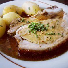 #mittagessen #lunch #brust #bauch #gefüllt #schwein #pork #linz #linzpictures #yummy #foodporn #food #essen #mahlzeit #hausmannskost #oldschool #mittags #yum #ferien #holidays