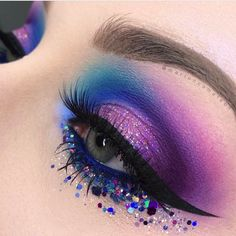 Fab purple and blue eye makeup look with glitter. Human Eye, Watercolor Tattoo, Tattoo Watercolor, Eyes, Watercolor Tattoos