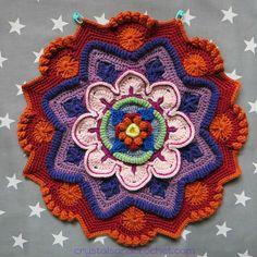 Pt 3 Mandala Madness CAL 2016 by Helen Shrimpton aka Crystals and Crochet. PDF photo tutorial here www. Crochet Mandala Pattern, Crochet Circles, Crochet Squares, Crochet Doilies, Crochet Yarn, Crochet Flowers, Crochet Stitches, Free Crochet, Crochet Motif