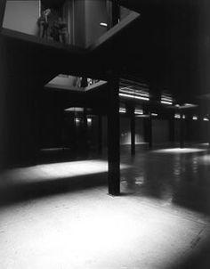 Juan Munoz Double Bind at Tate Modern
