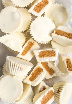 This easy fall dessert recipe for white chocolate pumpkin pie candy cups is too good not to try! These really do taste like pumpkin pie and look pretty too. Fall Dessert Recipes, Fall Desserts, Sweets Recipes, Candy Recipes, Fall Recipes, Delicious Desserts, Thanksgiving Recipes, Holiday Recipes, Chocolate Pumpkin Pie