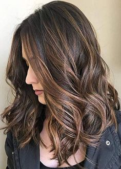 Looking for most pretty demanding hair color ever? See here the most great ideas of various balayage hair colors. Balayage is a French hair coloring technique where the color is painted on the hair… Brown Hair Shades, Brown Blonde Hair, Light Brown Hair, Brown Hair Colors, Dark Brown, Dark Hair, Blonde Brunette, Short Blonde, Natural Brown