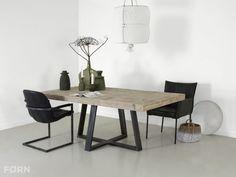 Steigerhouten tafel Halvar met stalen onderstel | FØRN