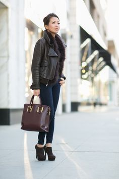 Blogger Wendy wearing Aviator jacket and Skinny jeans