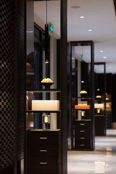 昊 泽 设计 Exterior Stair Railing, Interior Staircase, Interior Design Help, Hotel Corridor, Public Hotel, Public Space Design, Room Partition Designs, Hotel Lounge, Hotel Reception