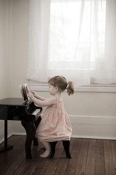 My Little Girl, Little Babies, Sweet Little Things, Piano Player, Amazing Photography, Photography Ideas, 3 Kids, Pretty Pictures, Flower Girl Dresses